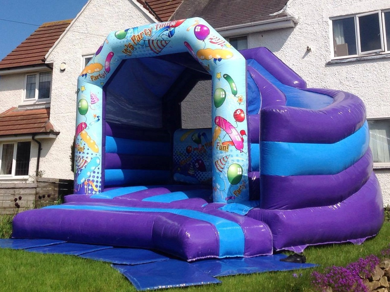 Curved slide combi castle